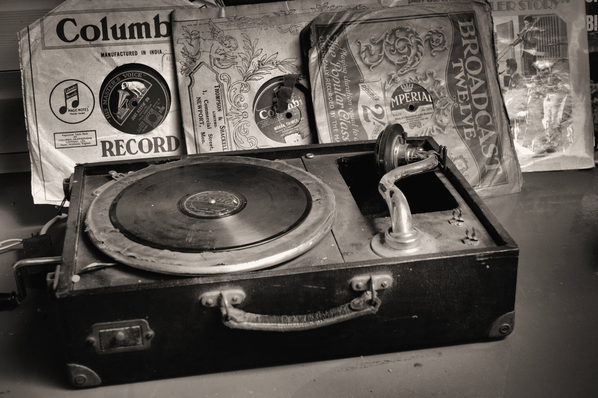 record-player-2774900_1920